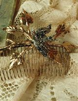 Gilded Swallow Hair Comb