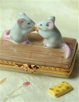 Authentic Limoges Kissing Mice