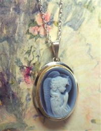 14 Kt. Gold Angel Cameo Necklace