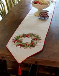 Winterberry Wreath Table Runner